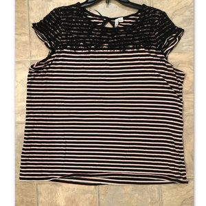 Capped sleeve shirt. Striped and lace. XL